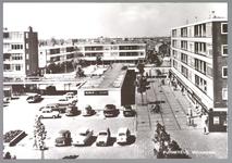 WAT001013139 Winkelcentrum Wormerplein, op 1 januari 1960 zijn de eerste bouwvergunningen verleend voor het Wormerplein.