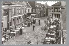 WAT001013178 De varkensmarkt. Tot 1973 werd er op dinsdag de varkensmarkt gehouden in de Willem Eggertstraat en op het ...