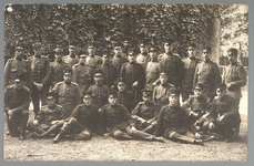 WAT001013199 Mobilisatie 1914 - 1918.Groepsportret van een aantal soldaten.
