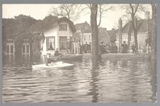 WAT001013229 Als gevolg van een zware noordwester storm brak in januari 1916 de Waterlandse Zeedijk tussen Monnickendam ...