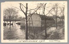 WAT001013260 Als gevolg van een zware noordwester storm brak in januari 1916 de Waterlandse Zeedijk tussen Monnickendam ...
