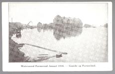 WAT001013261 Als gevolg van een zware noordwester storm brak in januari 1916 de Waterlandse Zeedijk tussen Monnickendam ...