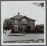 WAT001000224 Deutzenhofje. Wouter Sluis, de bekende pionier in de land- en tuinbouw in de vorige eeuw, heeft ook aan de ...