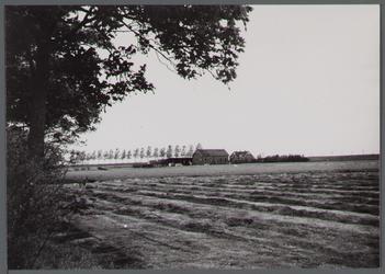 WAT001000240 Foto v.l.n.r. Gemaal aan de Noorddijk nummer 18, Noorddijk nummer 19.