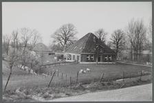 WAT001000262 Stolpboerderij aan de Oostdijk nummer 11.