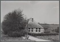 WAT001000431 Stolpboerderij aan de Zuiddijk nummer 4.