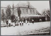 WAT001000345 Het z.g. Herenhuis, raadhuis van oudsook hotel. Vandaar dat de hoofdvleugel uit 1826 -een gebouw met ...