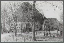 WAT001000430 Stolpboerderij aan de Zuiddijk nummer 1.
