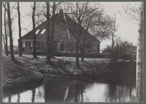WAT001000447 Stolpboerderij aan de Zuiderweg nummer 4.