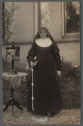 WAT001000514 Zuster Rosalie ( meisjesnaam: Alida Stevers, geboren op 28-07-1885 in de Beemster) ingetreden 1909 in het ...
