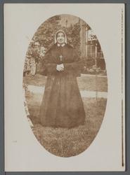 WAT001000523 Zuster Maria Rosalie (meisjesnaam Afra Margaretha (Afra) Tambach, geboren op 16-03-1903 in de Beemster) ...