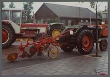 WAT001000545 Tentoonstelling van landbouwvoertuigen.