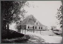 WAT001000464 Stolpboerderij aan de Zuiderweg nummer 5.