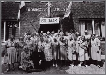 WAT001000998 Reünie van nonnen ter gelegenheid van het 60 jaar bestaan van de Koningshoeve 1927-1987.