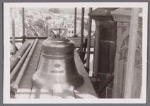 WAT001001022 Sloop en restauratie van de Speeltoren in Edam.Achtergrondinformatie:Rond 1970 zijn een aantal klokken ...
