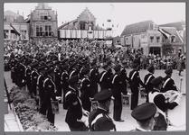 WAT001001071 Muziekkorps van de Rijkspolitie.Stadsfeest Edam.Van 12 tot 21 juli 1957 hielden de Edammers een stadsfeest ...