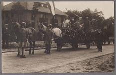 WAT001001043 Grote Historische optocht 31 augustus 1928, 2e prijs, de groep stelt voor;1. Nederlandse Maagd, symbool ...