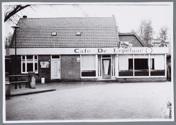 WAT001001445 Café de ''Lepelaar'' aan het Molenpad nummer 2 in Jisp.
