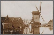 WAT001001320 Watersnoodramp 1916 met in het midden korenmolen ,,De Haan,, uit 1634. Deze standaardmolen was de laatste ...