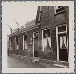 WAT001001328 Foto: café ,,De Bonte Os'' De heer J.Buiten nam op 6 februari 1956 café ,,De Bonte Os'' over van ...