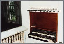 WAT001001636 Foto:orgel van de Nederlands-hervormde kerk van Kwadijk. Zaalkerk met spitsboogvensters en een houten ...