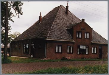 WAT001001663 Foto: stolpboerderij ''Albano'' aan de Kwadijk nummer 5.