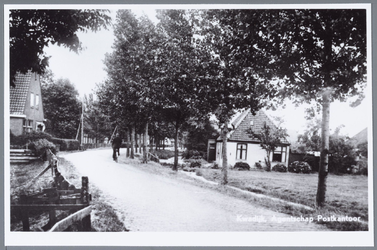 WAT001001667 Rechts: het oude postkantoor van Kwadijk, Kwadijk nummer 116.