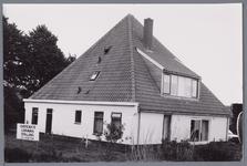 WAT001001584 Stolpboerderij in Kwadijk.Overdekte caravanstalling.