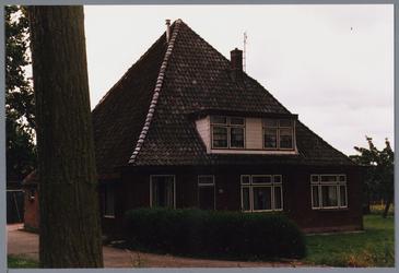 WAT001001662 Foto: stolpboerderij aan de Kwadijk nummer 8.