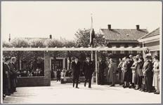 WAT001001878 Opening rusthuis De Keern In het midden zien we links Commissaris van de Koningin van Noord-Holland, baron ...