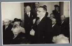 WAT001001882 Opening rusthuis De Keern Foto: toespraak van Alb. Bakker.Achtergrondinformatie:Korte terugblik, uit de ...