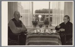 WAT001001879 Opening rusthuis De Keern Op de foto zien we twee bewoners.Achtergrondinformatie:Korte terugblik, uit de ...