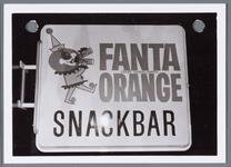 WAT001002211 Foto: Reclamebord van de Snackbar gevestigd in de kerkstraat. kerkstraat 7 te Monnickendam