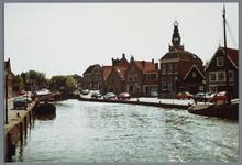 WAT001002170 Foto: Zicht op de haven van Monnickendam gezien vanuit de richting van de Lange Brug.