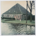 WAT001002584 Voormalige stolpboerderij van Pieter Klaas Nierop. Gesloopt medio 1978/80.Hier woonden en werkten eerst de ...