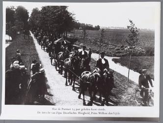 WAT001002730 Optocht van paard en wagens ter gelegenheid dat de Purmer 300 jaar bestaat.1622 tot 1922.