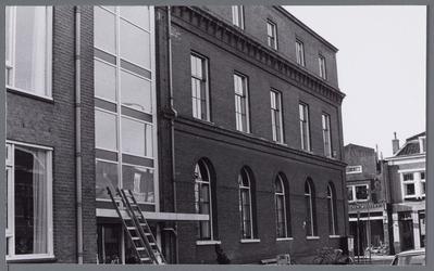 WAT001002970 het vroegere Gast en Proveniershuis uit 1844 van architect W.A.Scholten. Geleidelijk veranderde de functie ...