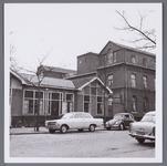 WAT001002965 Rechts het vroegere Gast en Proveniershuis uit 1844 van architect W.A.Scholten. Geleidelijk veranderde de ...