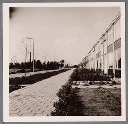 WAT001003134 Nieuwbouwwoningen opgeleverd staande aan de Aletta Jacobslaan.