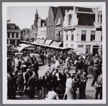 WAT001003180 Lappenmarkt op de Kaasmarkt.