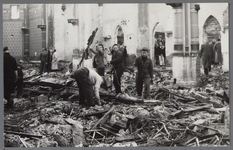 WAT001003327 Afbraak R.K. kerk.De vierde Rooms-katholieke Kerk aan de Kerkstraat. De architect was Molkenboer en de ...