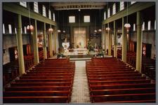 WAT001003344 Interieur van de nieuwe Katholieke kerk.Ingewijd oktober 1956.
