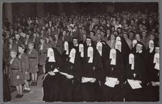 WAT001003351 Inwijding van de nieuwe Katholieke kerk, oktober 1956.
