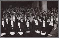 WAT001003353 Inwijding van de nieuwe Katholieke kerk aan de Kerkstraat, oktober 1956.