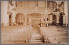 WAT001003358 Interieur van de vierde Rooms-katholieke Kerk aan de Kerkstraat. De architect was Molkenboer en de ...