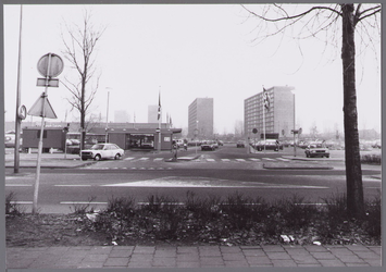 WAT001003463 Uitgang 'Miro- terrein' naar de Burgemeester D. Kooimanweg.