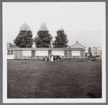 WAT001003498 Wherehuis geopend op zaterdag 23 september 1961, het werd eerst gebruikt als noodschool later als noodkerk ...