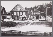 WAT001003565 Rechts café restaurant 'De drie Zwanen' aan de Neckerstraat 3.