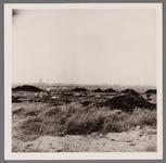 WAT001003716 Opbrengen van zand voor de bouw van Overwhere en Overwhere -Noord.Links op de achtergrond zie je nog de ...