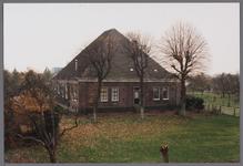 WAT001003838 Boerderij met de naam De Heer van Egmond uit de 17e of 18e eeuw met gevels uit het derde kwart van de 19e ...